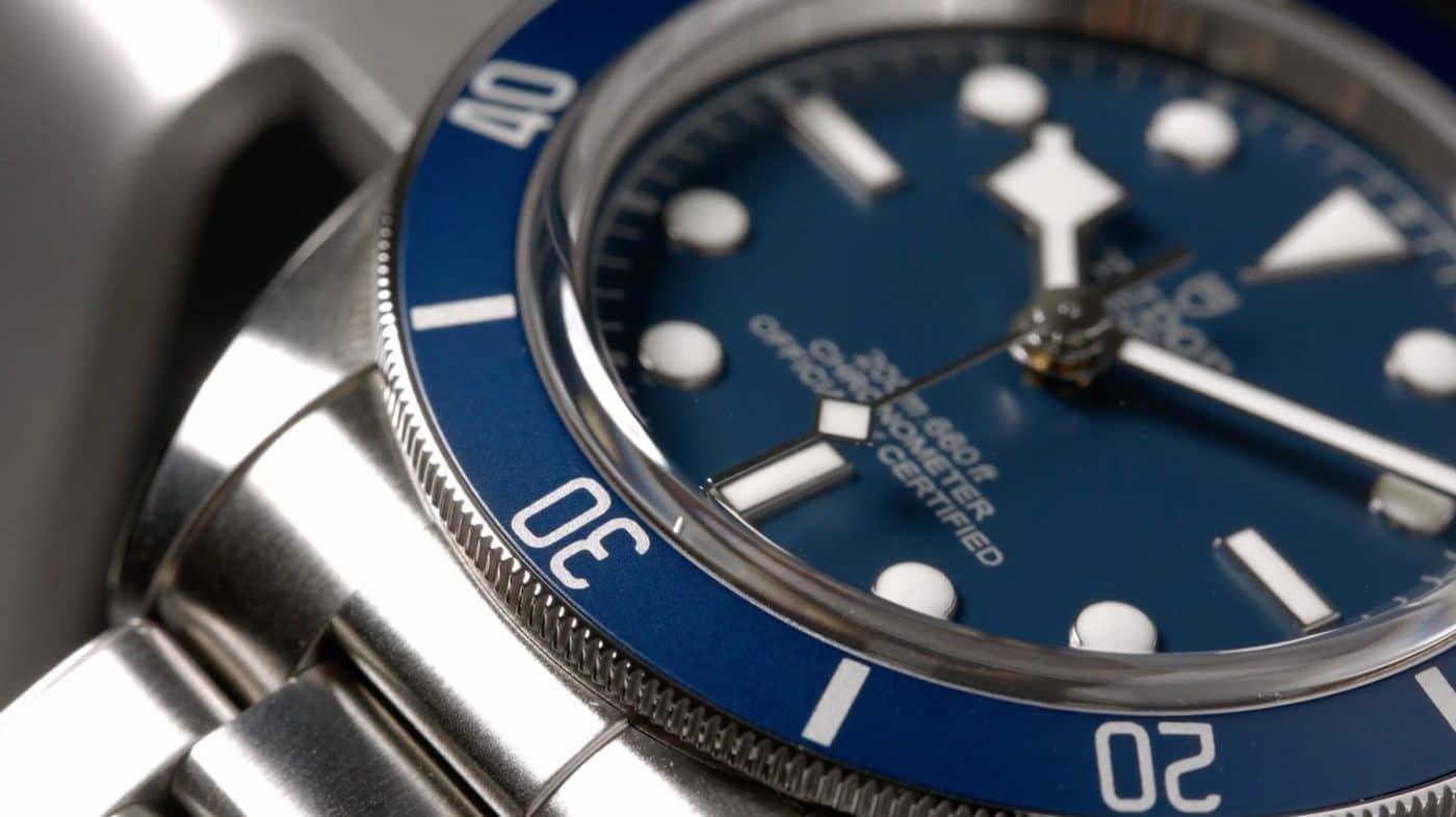 Tudor-Black-Bay-58-79030B-Detail-der-Aluminium-Lünette