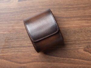 Uhrenrolle aus dunkelbraunem Saffianoleder
